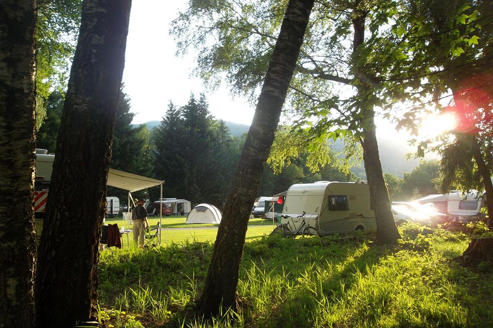 Camping saint gervais les bains mont blanc les domes de for Camping chamonix piscine